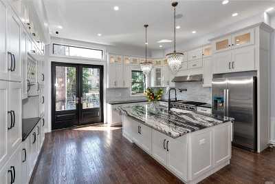 Brooklyn Multi Family Home For Sale: 154 Van Buren St