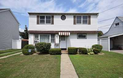 Oceanside Single Family Home For Sale: 100 Montgomery Ave