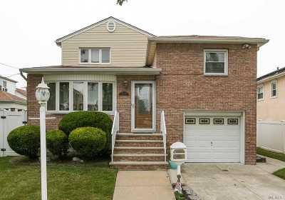 Flushing Single Family Home For Sale: 25-12 160th St
