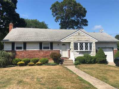 West Islip Single Family Home For Sale: 1627 Scott Ave