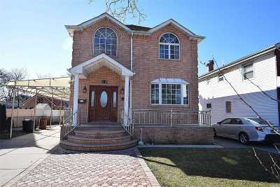 Bellerose, Glen Oaks Single Family Home For Sale: 81-22 243