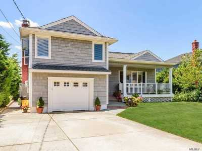 Massapequa Single Family Home For Sale: 46 Forest Ave