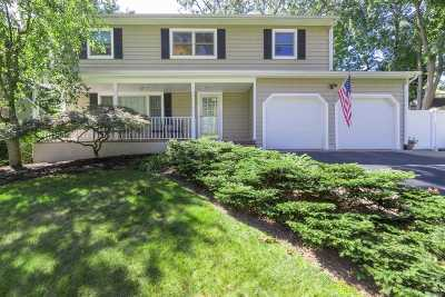 Smithtown Single Family Home For Sale: 20 Hancock St