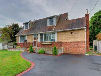 N. Babylon Single Family Home For Sale: 56 Drakeford Ave