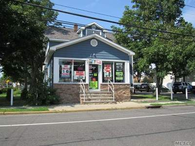 Uniondale Single Family Home For Sale: 1175 Front St