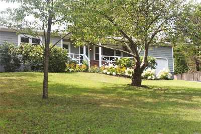 Calverton Single Family Home For Sale: 33 Baiting Hollow Ln