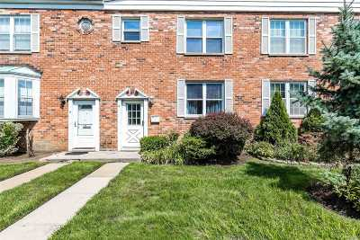 Baldwin Condo/Townhouse For Sale: 930 Merrick Rd #6