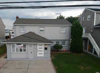 Nassau County, Suffolk County Single Family Home For Sale: 23 Wilshire Ct