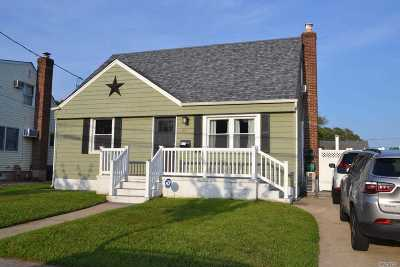 Wantagh Single Family Home For Sale: 2411 Atlantic Blvd
