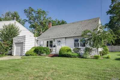 Woodmere Single Family Home For Sale: 657 Zola St