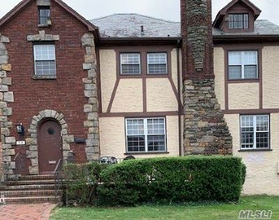 Woodmere Single Family Home For Sale: 919 Mayfield Rd