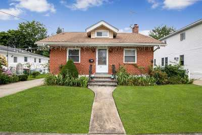 Lynbrook Single Family Home For Sale: 149 Davison Ave