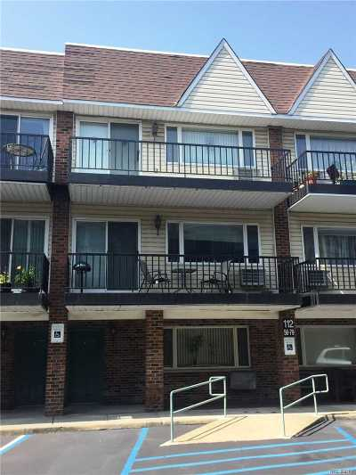 Lynbrook Condo/Townhouse For Sale: 112 Atlantic Ave #76