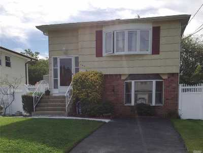 Copiague Single Family Home For Sale: 142 Audley Ct