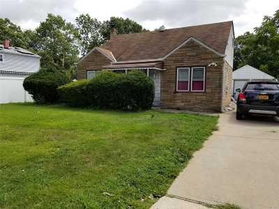 N. Babylon Single Family Home For Sale: 532 Shade St