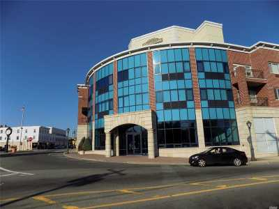 Westbury Condo/Townhouse For Sale: 130 Post Ave #214