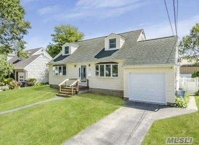 Wantagh Single Family Home For Sale: 3000 Lowell Ave