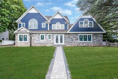 Rockville Centre Single Family Home For Sale: 78 Bulson Rd