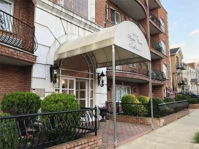 Woodside Condo/Townhouse For Sale: 69-07 43rd Ave #2D
