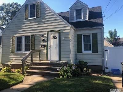 Baldwin NY Single Family Home For Sale: $469,000