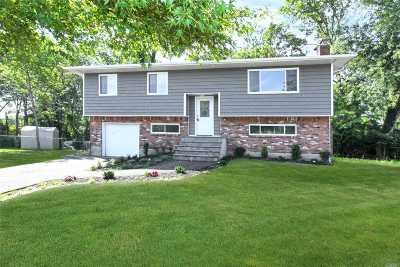 Smithtown Single Family Home For Sale: 7 Seaver Ct
