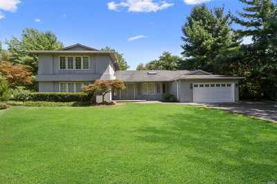 Syosset Single Family Home For Sale: 52 Stratford Pl