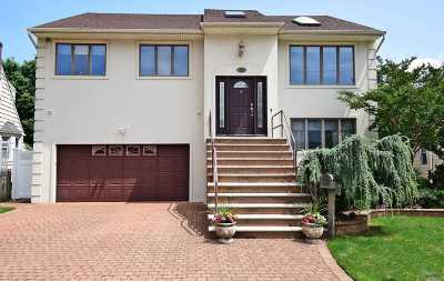 Woodmere Single Family Home For Sale: 42 Centre St