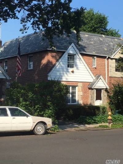 Middle Village Single Family Home For Sale: 64-20 84th Pl
