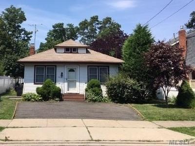 Baldwin NY Single Family Home For Sale: $339,000