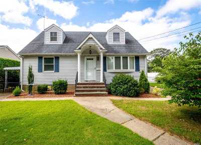 Bethpage Single Family Home For Sale: 65 Cypress Ave