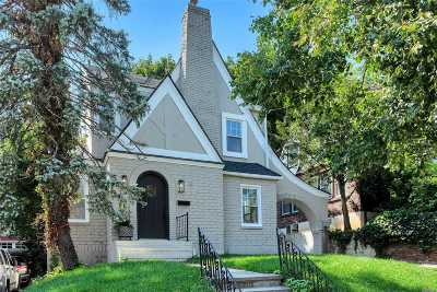 Port Washington Single Family Home For Sale: 26 Hillview Ave