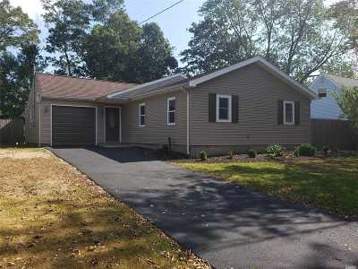Selden Single Family Home For Sale: 53 Charter Rd