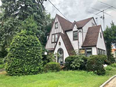 Little Neck Single Family Home For Sale: 25235 Leeds Road