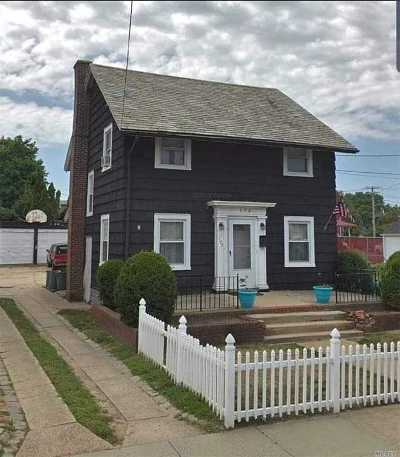 Inwood Single Family Home For Sale: 175 Jefferson St