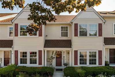 Farmingdale Condo/Townhouse For Sale: 30 Stratford Grn Grn