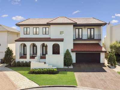Atlantic Beach Single Family Home For Sale: 1233 Beech St