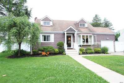 W. Babylon Single Family Home For Sale: 42 Raider St