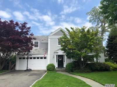 Rockville Centre Single Family Home For Sale: 101 Andover Rd