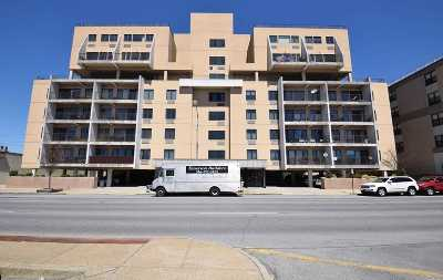 Lido Beach, Long Beach Condo/Townhouse For Sale: 235 W Park Ave #502