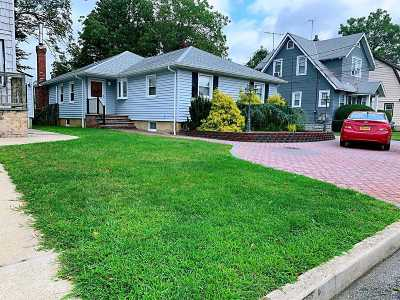 Bellmore Single Family Home For Sale: 422 Linden St