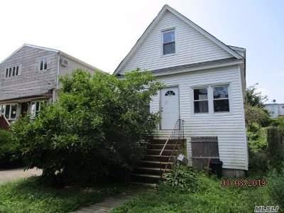 Copiague Single Family Home For Sale: 285 Meucci Ave