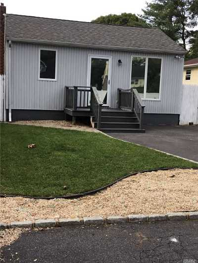 Ronkonkoma Single Family Home For Sale: 41 9th St