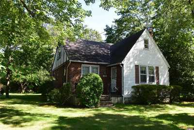Wantagh Single Family Home For Sale: 3497 Stratford Rd