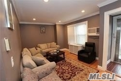 Briarwood Single Family Home For Sale: 147-88 Grand Central Pky