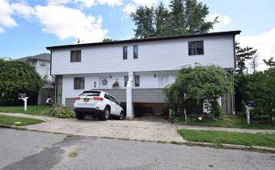 Port Washington Multi Family Home For Sale: 14 West Dr