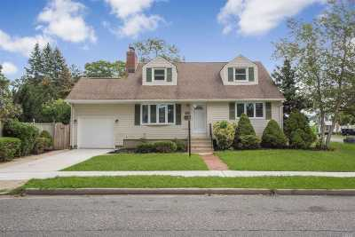 Wantagh Single Family Home For Sale: 1881 Cornelius Ave