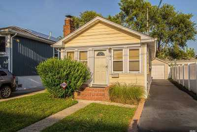 Amity Harbor Single Family Home For Sale: 124 Coolidge Ave