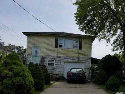 Bay Shore Single Family Home For Sale: 218 Montana Ave