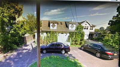 Copiague NY Single Family Home For Sale: $230,000