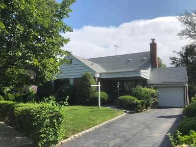 Fresh Meadows Single Family Home For Sale: 49-09 Weeks Ln